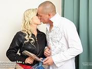Blonde Leona hard pantyhose sex