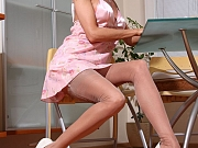 Horny housewife in classy vintage nylon stockings