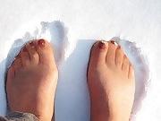 Fuesse im Schnee
