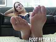 I will excite you with my pretty pink feet